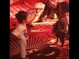 У нас проблема)))) Макар не открывает глаза)))) стесняется))) и фраза дня))) Сэм безумно любит Васю и первая его фраза когда он
